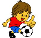 Dibujo Chico jugando a fútbol pintado por dibujo de niño