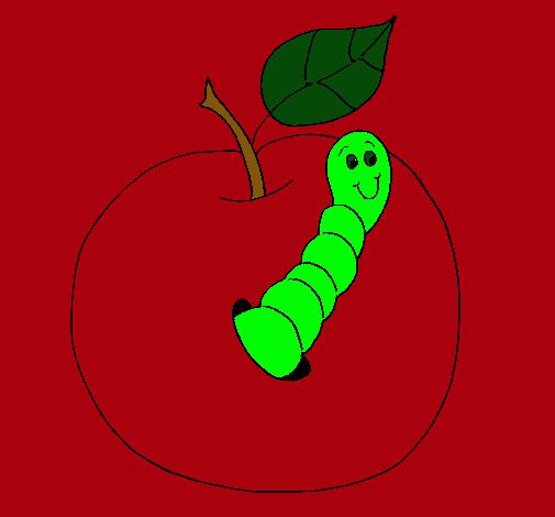 Manzana con gusano