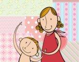 Madre acariciando al hijo