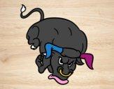 Toro con largos cuernos