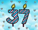 37 años
