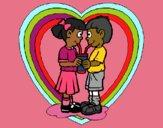 Enamorados compartiendo un refresco