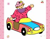 Muñeca en coche descapotable