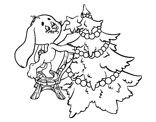 Dibujo de Conejo decorando el árbol de navidad para Colorear